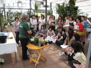花フェスタ記念公園でハンギングバスケット教室
