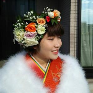 成人式の生花髪飾りボリューミーな花かんむり