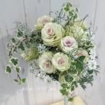 ロマンチック白い葉牡丹のルーティーブーケ